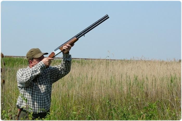 Для охоты на открытой местности предпочтительно ружье с длинными стволами