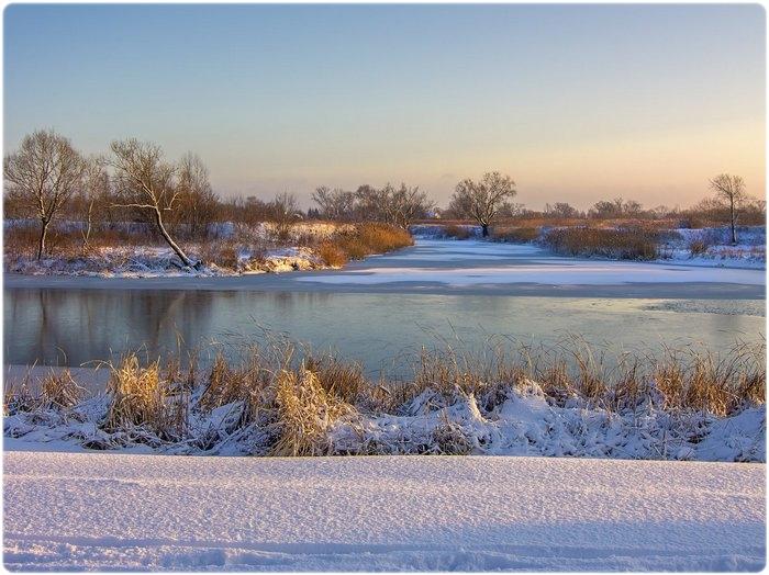 В ноябре замерзают речки и озера